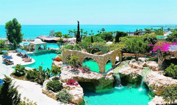 Le Meridien Limassol Spa & Resort 5*